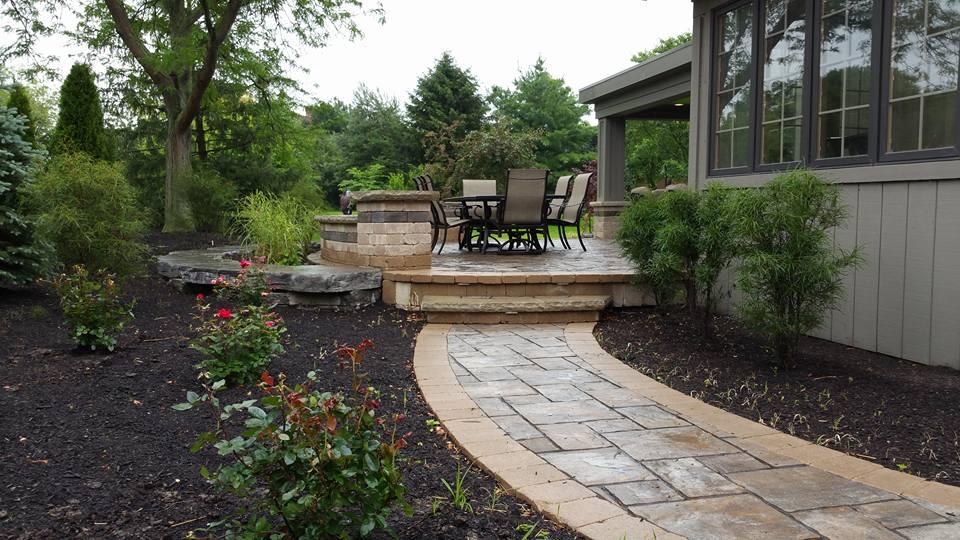 Leis Landscaping Yard : Pleiman landscaping